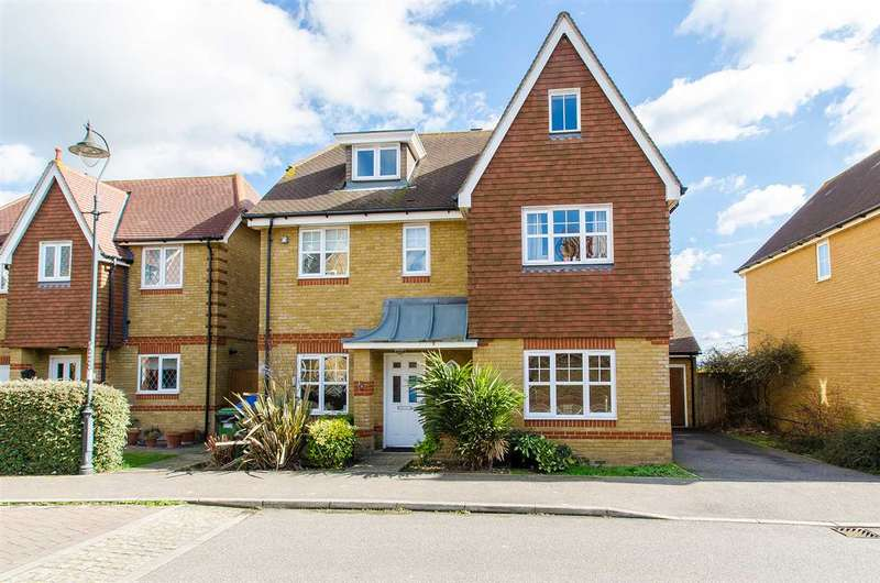 6 Bedrooms Detached House for sale in Cormorant Road, Iwade, SITTINGBOURNE