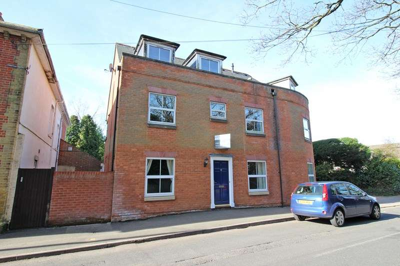 2 Bedrooms Flat for sale in Everton Road, Hordle, Lymington