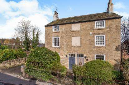 3 Bedrooms Semi Detached House for sale in High Bond End, Knaresborough, North Yorkshire, .