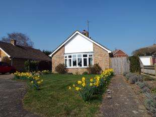 2 Bedrooms Bungalow for sale in Mill Gardens, Ringmer, Lewes, East Sussex
