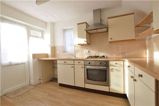 3 Bedrooms Semi Detached House for sale in Fairfield Road, ST LEONARDS, East Sussex, TN37 7UA