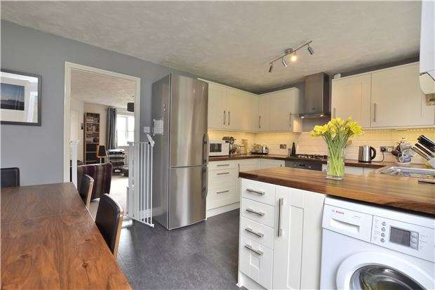 3 Bedrooms Semi Detached House for sale in Faulkland View, Peasedown St. John, BATH, Somerset, BA2 8TQ