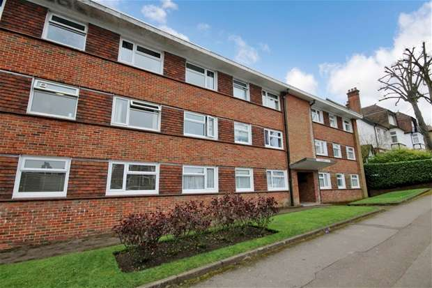 2 Bedrooms Flat for sale in Rothamsted Avenue, Harpenden