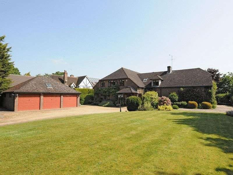 4 Bedrooms Detached House for sale in Pound Lane, Sonning