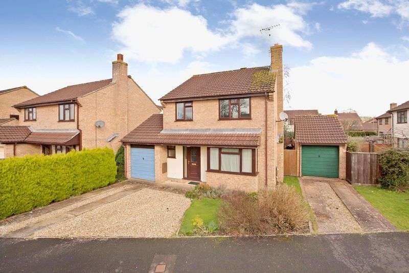4 Bedrooms Detached House for sale in Lowman Park Area