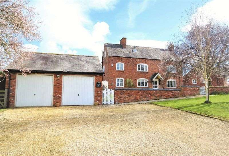 4 Bedrooms Semi Detached House for sale in Hanmer, Nr Whitchurch