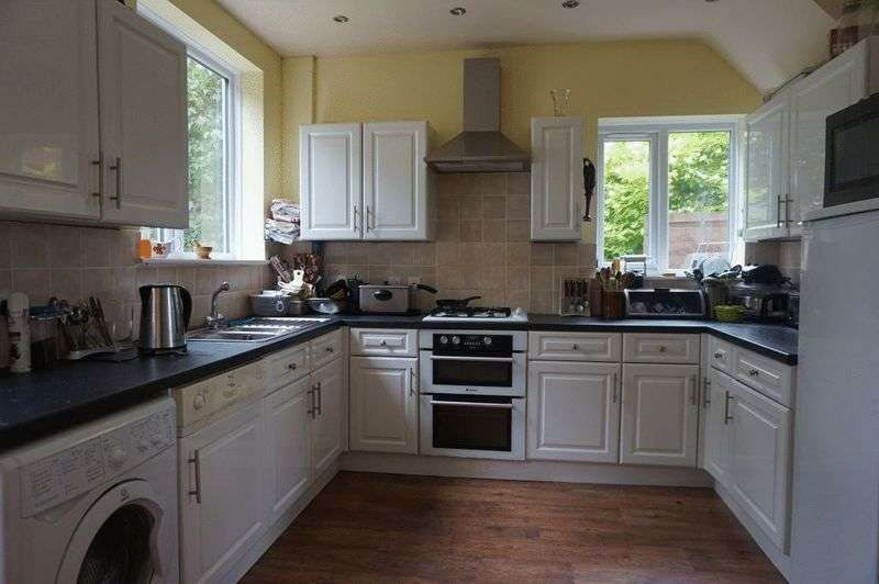 3 Bedrooms Semi Detached House for sale in Hazelhurst Road, Pittshill, Stoke-On-Trent, ST6 6LJ