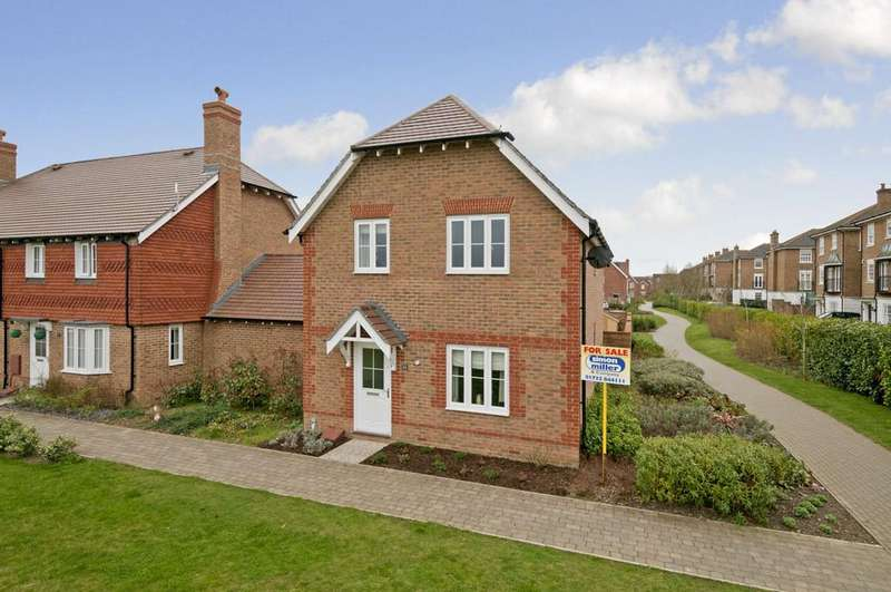 3 Bedrooms Link Detached House for sale in Porter Avenue, Kings Hill
