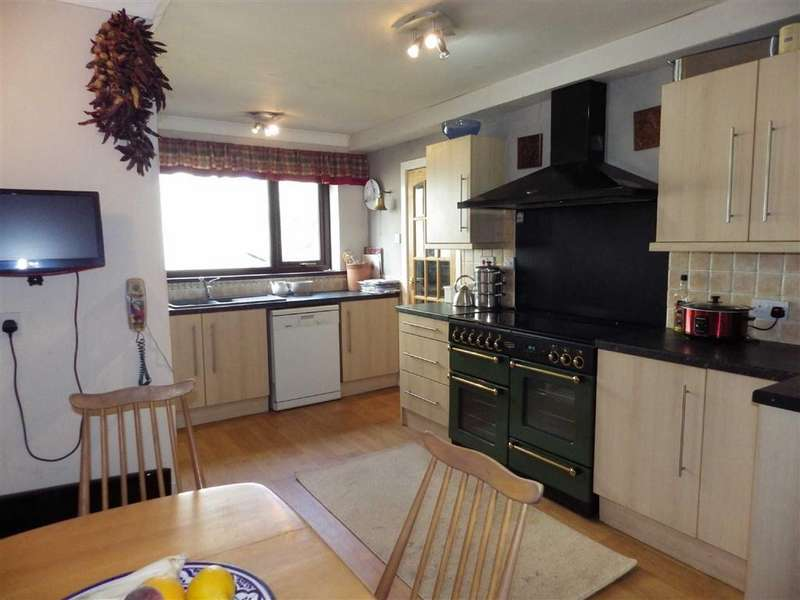 4 Bedrooms Detached House for sale in Pendleton Avenue, Rawtenstall, BB4