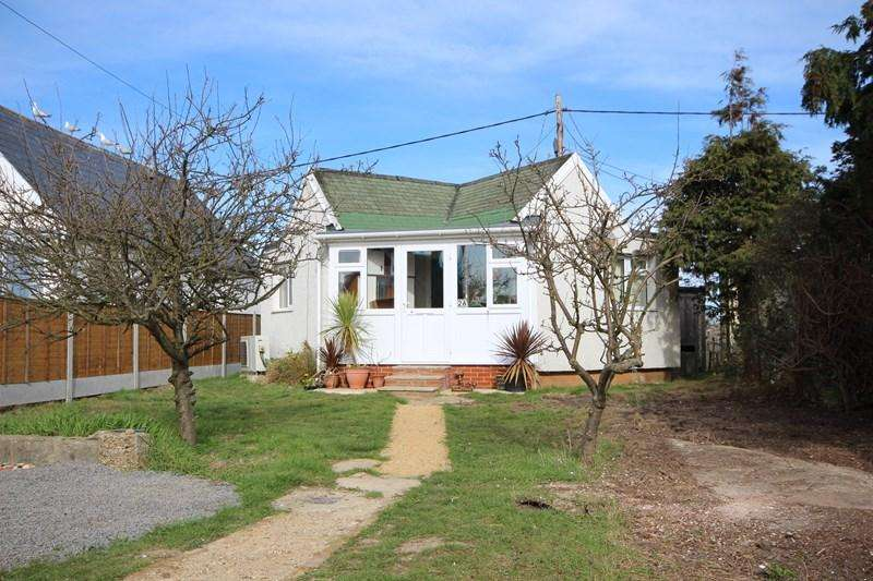 2 Bedrooms Detached Bungalow for sale in Gorse Way, Jaywick