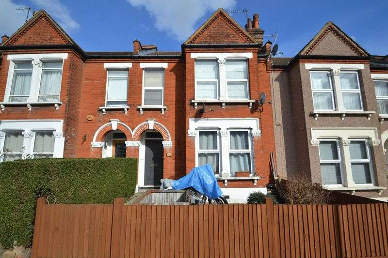3 Bedrooms Flat for sale in Worbeck Road, Penge London SE20