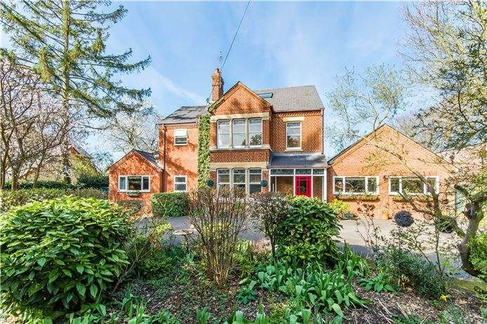 5 Bedrooms Detached House for sale in Hinton Way, Great Shelford, Cambridge