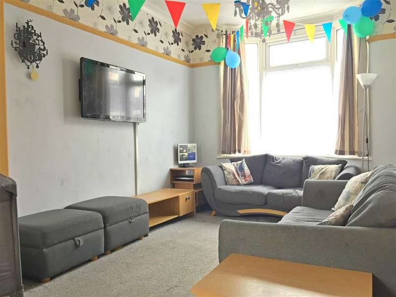 2 Bedrooms Terraced House for sale in Surrey Street, Middlesbrough