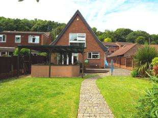 4 Bedrooms Detached House for sale in Kings Road, Biggin Hill, Westerham