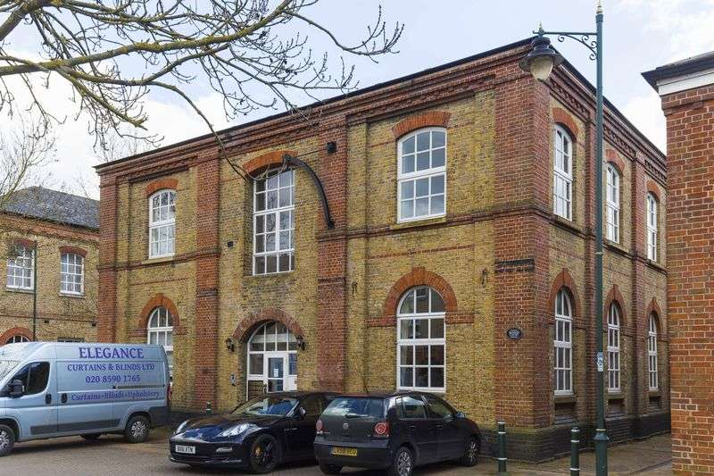 2 Bedrooms Flat for sale in Benson Court, Harston Drive, Enfield