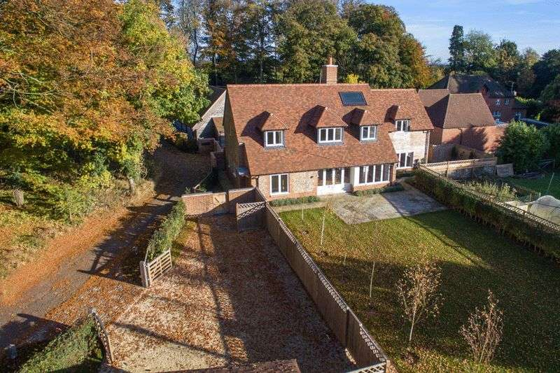 4 Bedrooms Detached House for sale in New Home Nr Frieth