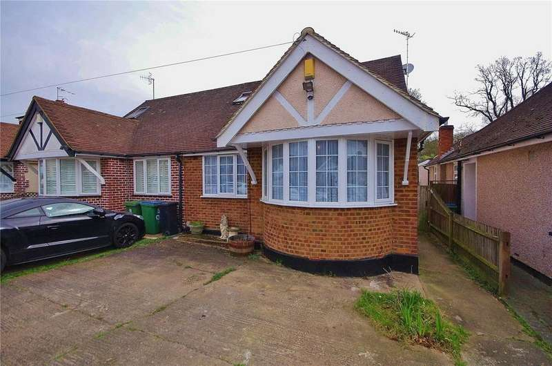 3 Bedrooms Semi Detached Bungalow for sale in Woodmere Avenue, Watford, Hertfordshire, WD24