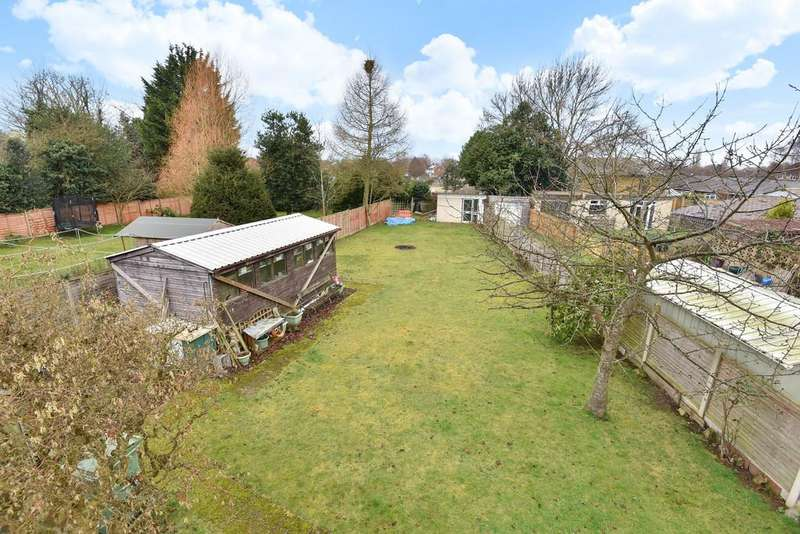 4 Bedrooms Detached Bungalow for sale in Loose Road, Maidstone