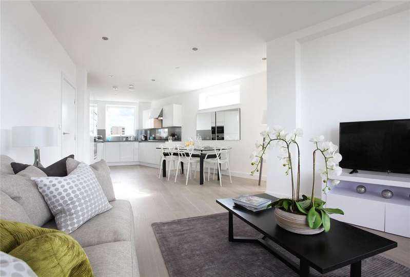 3 Bedrooms Flat for sale in Charters Wharf, Norman Road, Greenwich, London, SE10