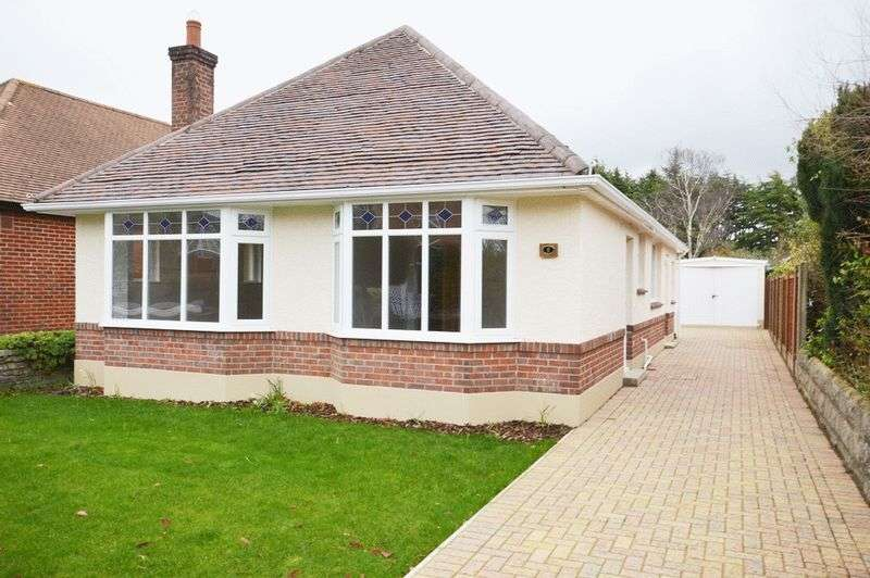 3 Bedrooms Detached Bungalow for sale in Bournemouth BH8 9HR