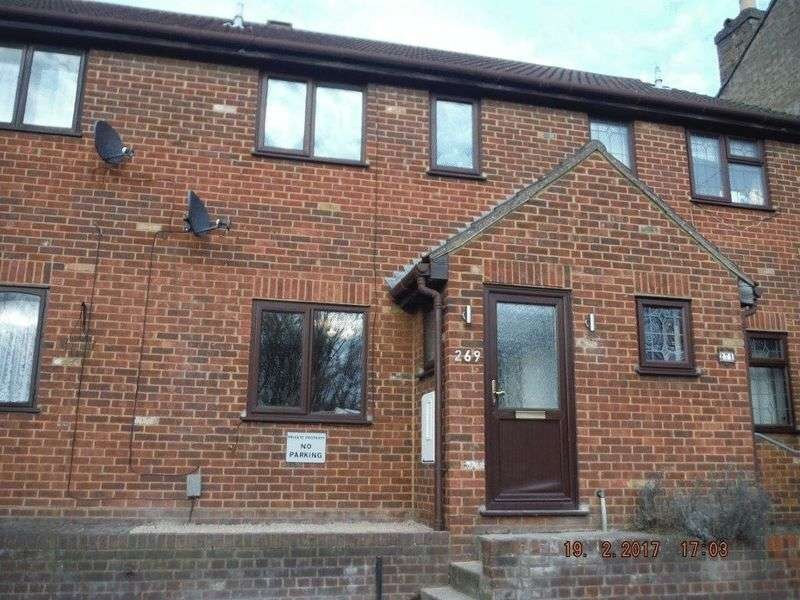 2 Bedrooms Terraced House for sale in Luton Road, Chatham