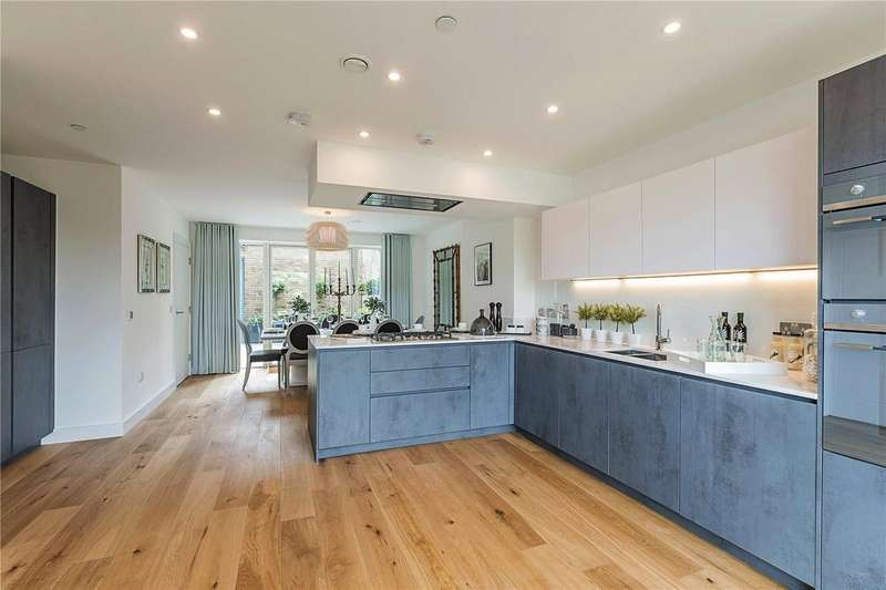 4 Bedrooms Terraced House for sale in Halo, Long Road, Cambridge, CB2
