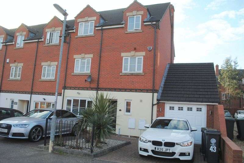 4 Bedrooms Terraced House for sale in Lime Street, Rushden