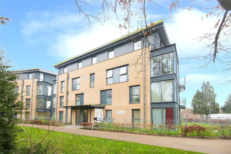 2 Bedrooms Flat for sale in Essex House, 18 Douglas Close, Stanmore, HA7