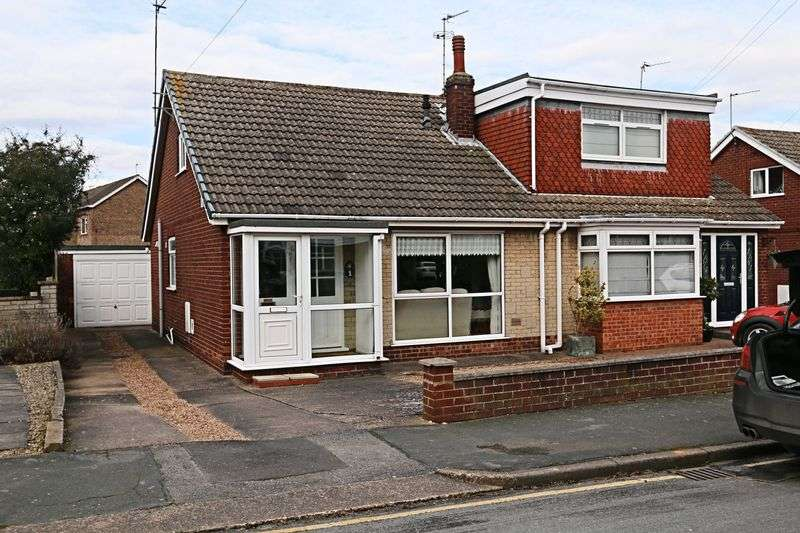 2 Bedrooms Semi Detached Bungalow for sale in The Wolds, Cottingham