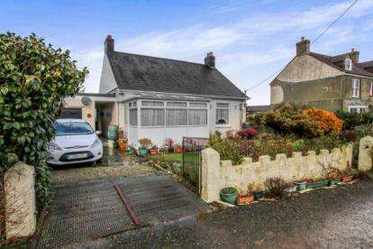 2 Bedrooms Bungalow for sale in Delabole, Cornwall, .