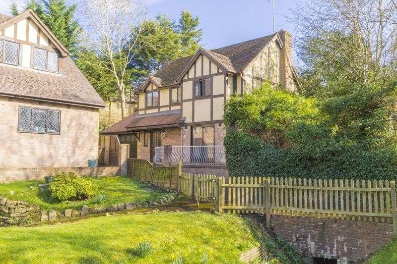 4 Bedrooms Detached House for sale in School Road, Cheltenham