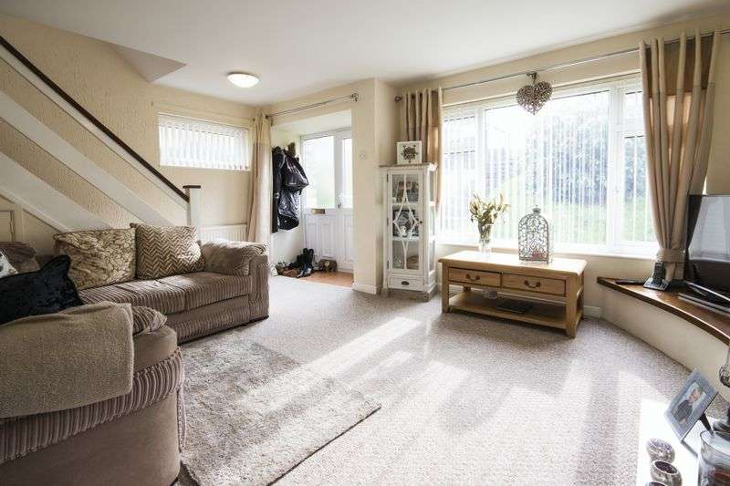 3 Bedrooms Semi Detached House for sale in College Glade, Newport
