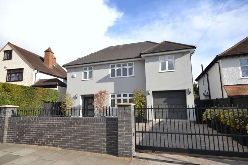 5 Bedrooms Detached House for sale in New Malden