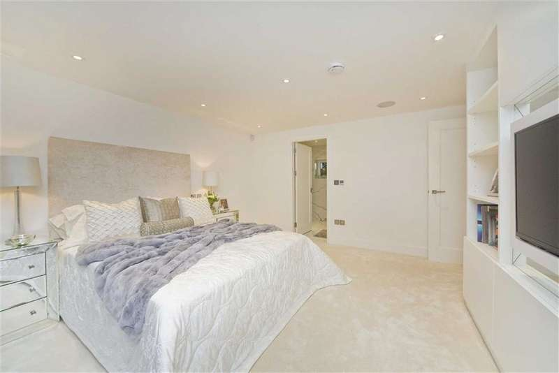 3 Bedrooms Property for sale in St James Terrace Mews, St Johns Wood, London, NW8