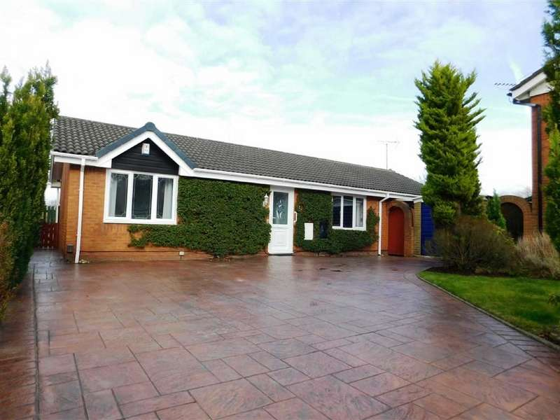 3 Bedrooms Property for sale in Calderbrook Drive, Cheadle Hulme, Cheadle