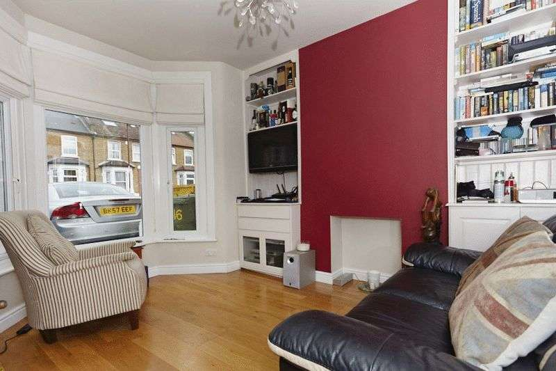 3 Bedrooms Terraced House for sale in Craigton Road, Eltham SE9