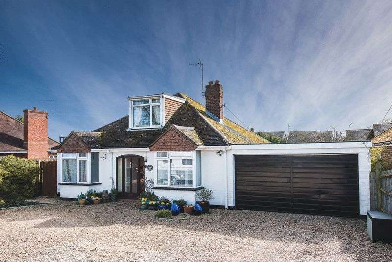 3 Bedrooms Detached Bungalow for sale in Tring