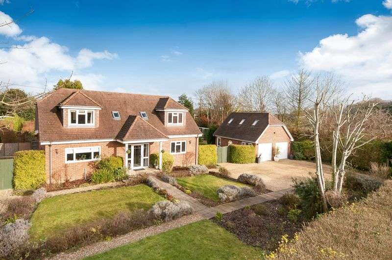 5 Bedrooms Detached House for sale in Romsey