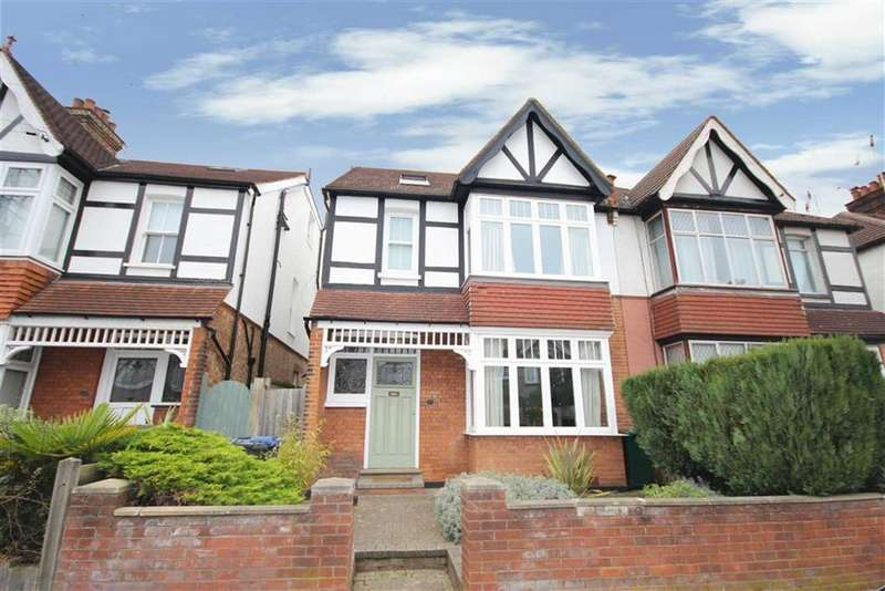 4 Bedrooms House for sale in Cromer Road, New Barnet, Hertfordshire