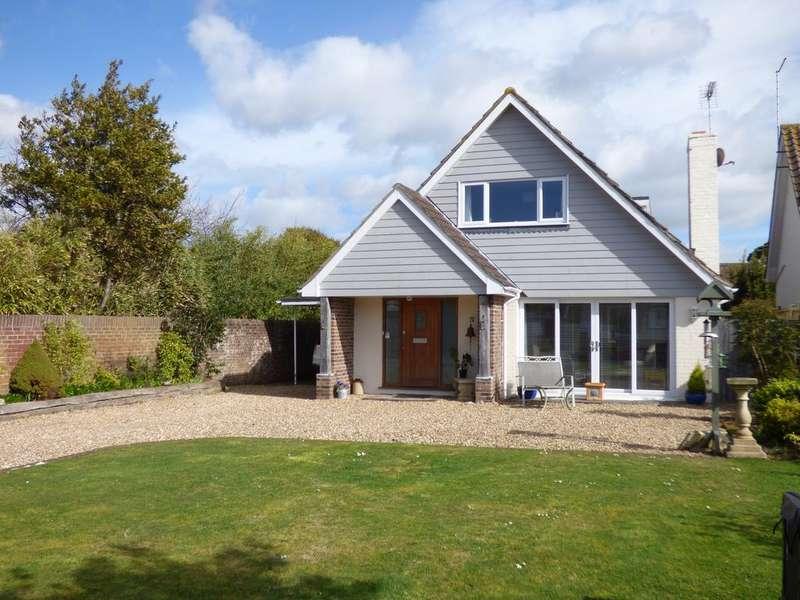 3 Bedrooms Detached House for sale in Meadow Way, Aldwick Bay Estate, Aldwick, Bognor Regis PO21