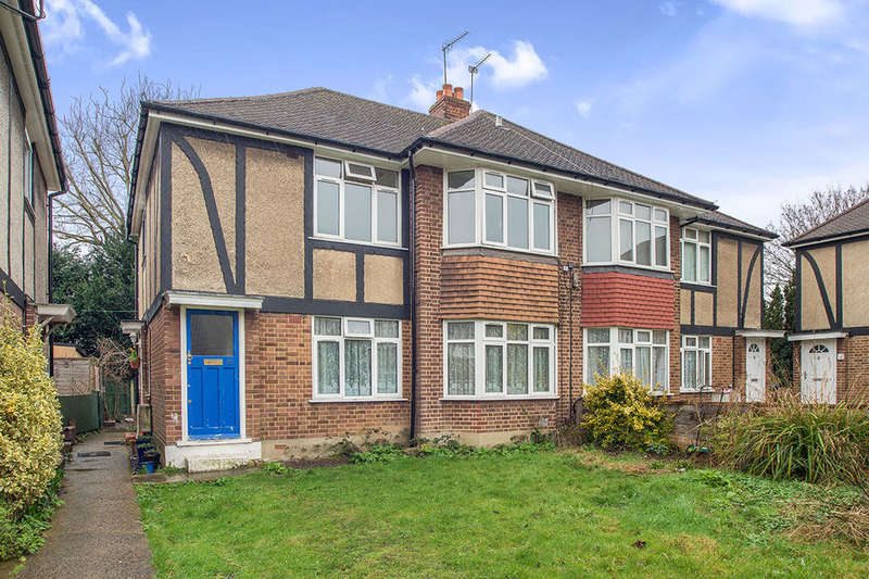 2 Bedrooms Flat for sale in Lawn Close, New Malden, KT3