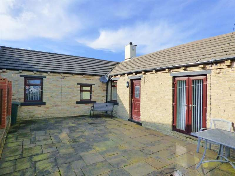 3 Bedrooms Cottage House for sale in Daisy Hill, Wyke, Bradford