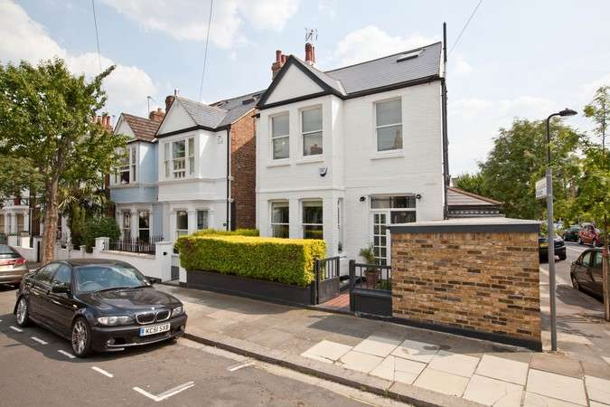 4 Bedrooms Detached House for sale in Graham Road, Chiswick