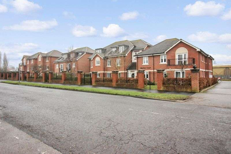 1 Bedroom Retirement Property for sale in Manton Court, Horsham, RH13 5AE