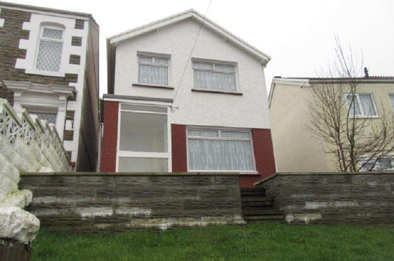 3 Bedrooms Detached House for sale in Vicarage Road, Morriston, Swansea.
