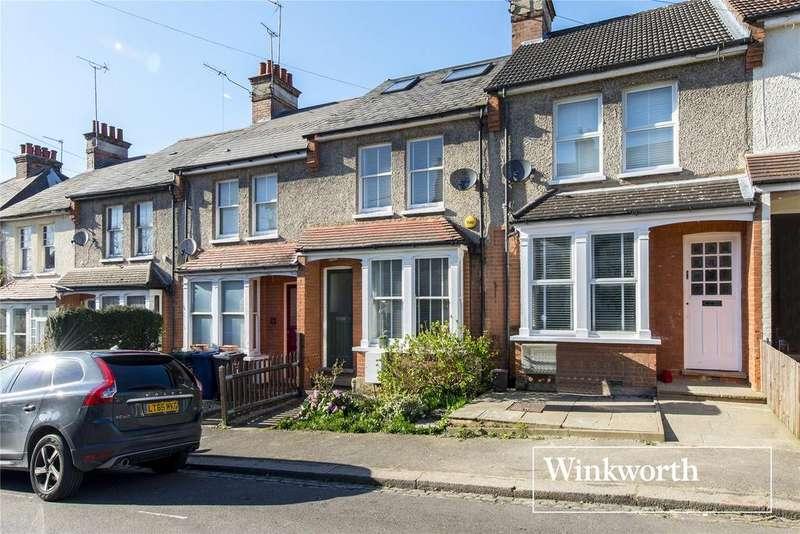 3 Bedrooms Terraced House for sale in Wrotham Road, High Barnet, Herts, EN5