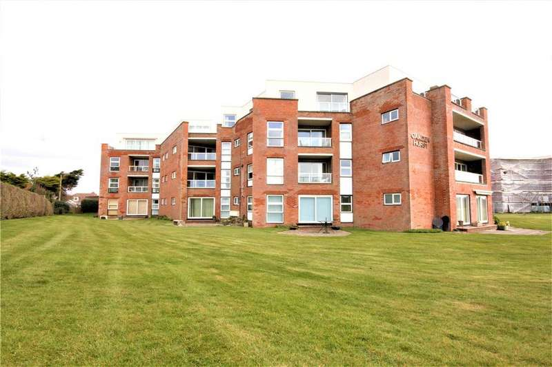3 Bedrooms Flat for sale in Camden Hurst, Milford on Sea, Lymington, Hampshire, SO41