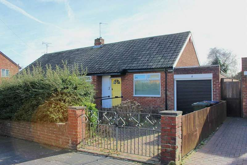 2 Bedrooms Semi Detached Bungalow for sale in Foxton Avenue, Fawdon, Newcastle upon Tyne, Tyne Wear