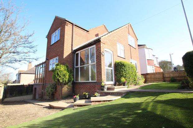 3 Bedrooms Detached House for sale in Burton Road, Melton Mowbray, LE13