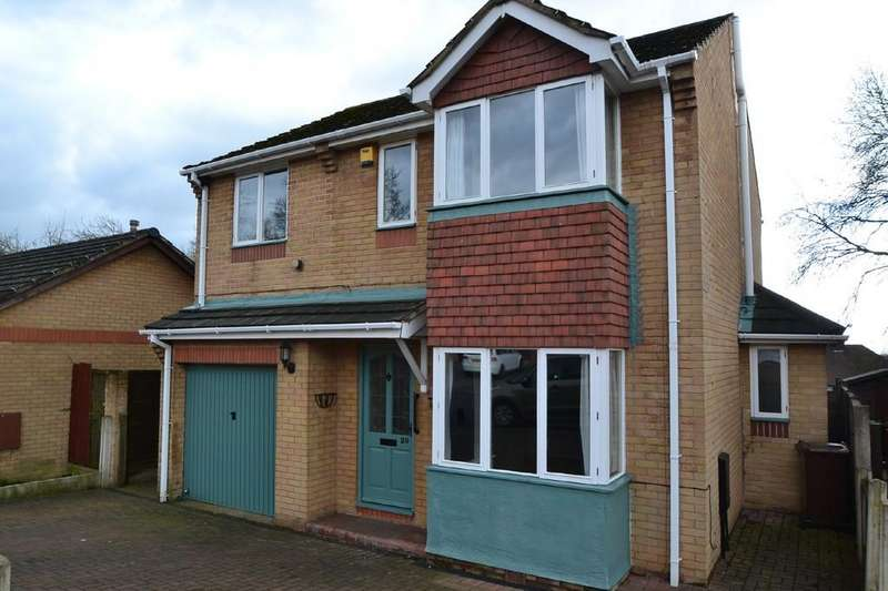 4 Bedrooms Detached House for sale in Richmond Rd, Upton, Pontefract